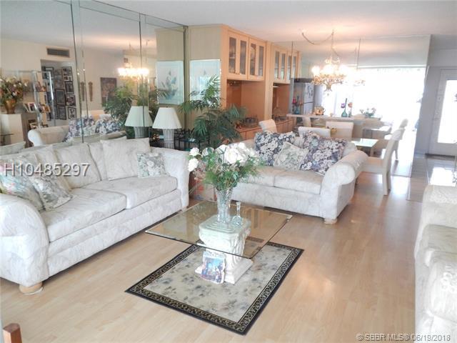 324 10th St #201, Dania Beach, FL 33004 (MLS #H10485297) :: Green Realty Properties