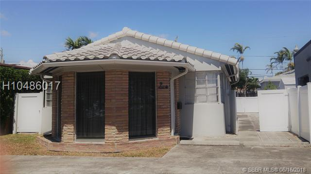 1523 Monroe St, Hollywood, FL 33020 (MLS #H10486017) :: Green Realty Properties
