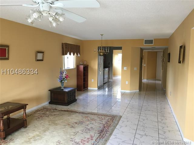 1600 127th Way C312, Pembroke Pines, FL 33027 (MLS #H10486334) :: Green Realty Properties