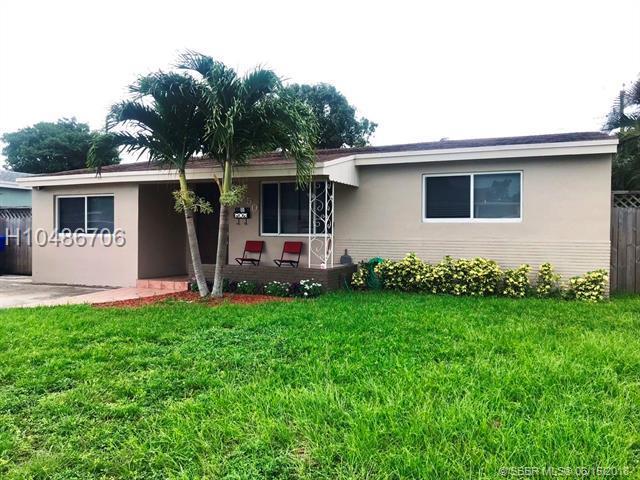 7350 Mcarthur Pkwy, Hollywood, FL 33024 (MLS #H10486706) :: Green Realty Properties