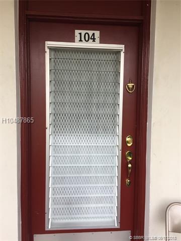 2950 46th Ave 104C, Lauderdale Lakes, FL 33313 (MLS #H10487865) :: Green Realty Properties