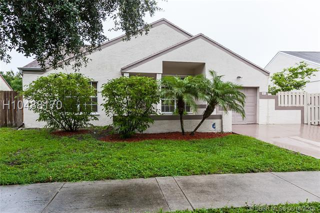 1471 85th Ave, Pembroke Pines, FL 33025 (MLS #H10488170) :: Green Realty Properties