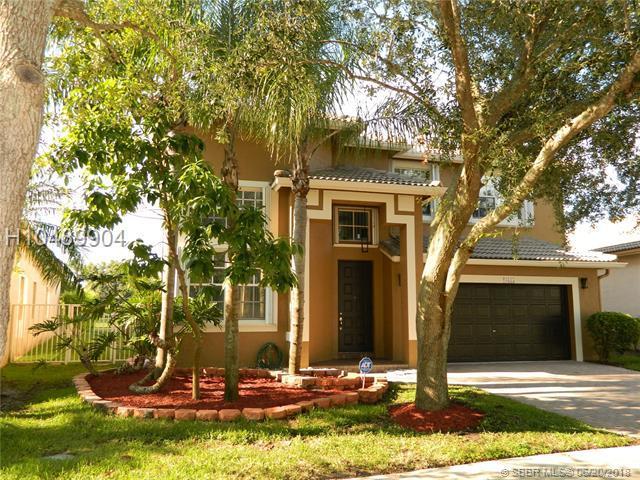 16515 Ruby Lk, Weston, FL 33331 (MLS #H10489904) :: Green Realty Properties