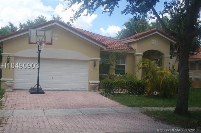 12719 23rd  St, Miramar, FL 33027 (MLS #H10490903) :: Green Realty Properties