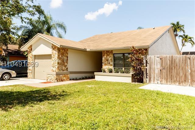 5670 99th Ln, Cooper City, FL 33328 (MLS #H10491689) :: Green Realty Properties