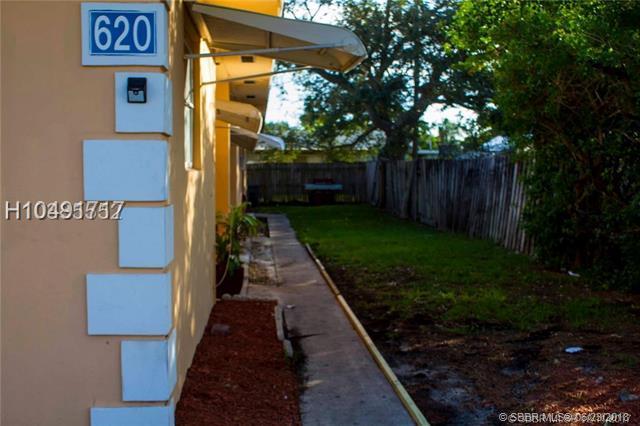 620 Mango St, Lantana, FL 33462 (MLS #H10491717) :: Green Realty Properties