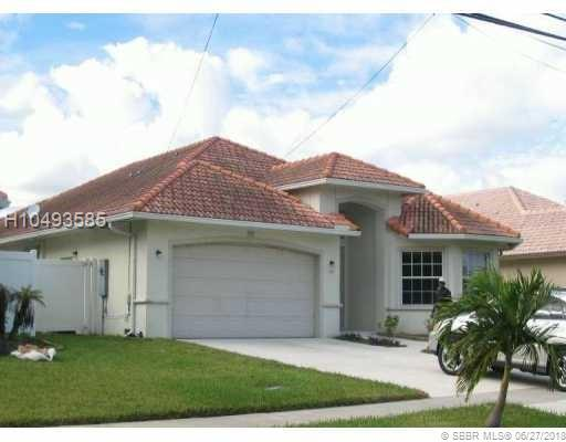 900 2nd Ave, Dania Beach, FL 33004 (MLS #H10493585) :: Green Realty Properties