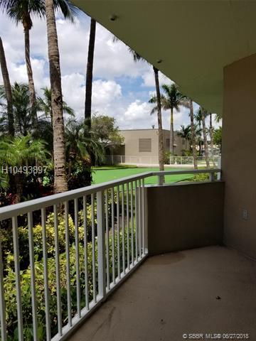 1965 Ocean Dr Mm, Hallandale, FL 33009 (MLS #H10493897) :: Green Realty Properties