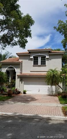 1054 184th Way, Pembroke Pines, FL 33029 (MLS #H10498989) :: Green Realty Properties