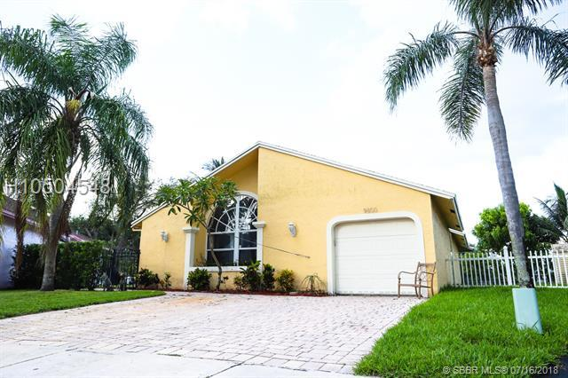 9800 58th Ct, Cooper City, FL 33328 (MLS #H10504548) :: Green Realty Properties