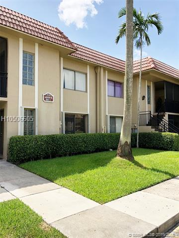 310 Lakeview Dr #102, Weston, FL 33326 (MLS #H10506605) :: Green Realty Properties