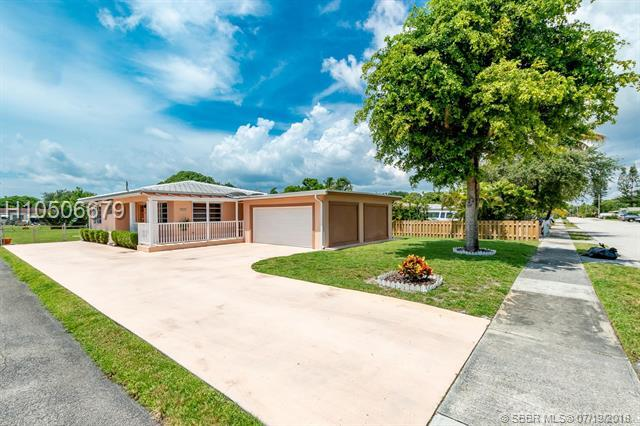 2622 Lincoln St, Hollywood, FL 33020 (MLS #H10506679) :: RE/MAX Presidential Real Estate Group