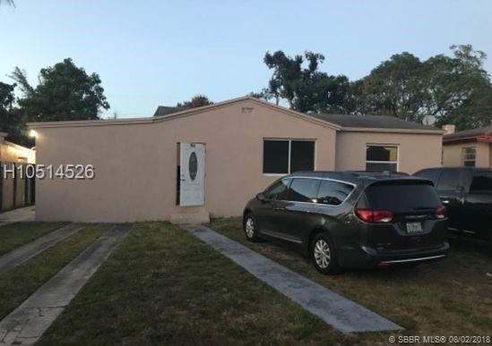1125 Peri St, Opa-Locka, FL 33054 (MLS #H10514526) :: Green Realty Properties
