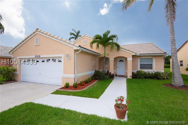 18836 1st St, Pembroke Pines, FL 33029 (MLS #H10514539) :: RE/MAX Presidential Real Estate Group