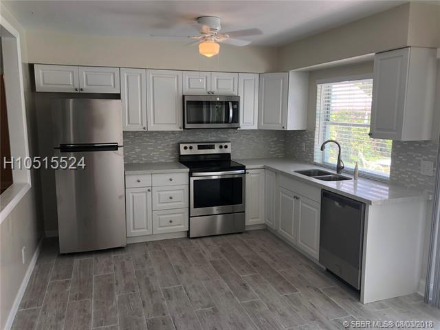 6631 Garfield St, Hollywood, FL 33024 (MLS #H10515524) :: Green Realty Properties