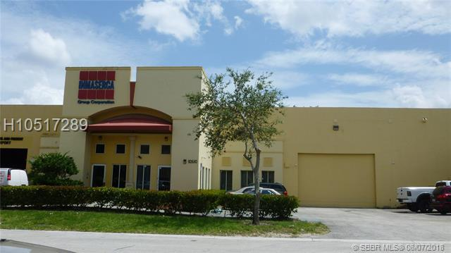 10530 37 TE, Miami, FL 33178 (MLS #H10517289) :: Green Realty Properties