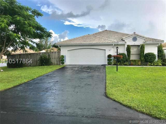 15141 Waterford Dr, Davie, FL 33331 (MLS #H10517864) :: RE/MAX Presidential Real Estate Group