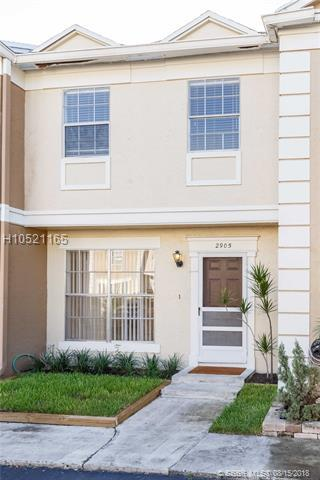 2905 Dorchester Ln, Cooper City, FL 33026 (MLS #H10521165) :: Green Realty Properties