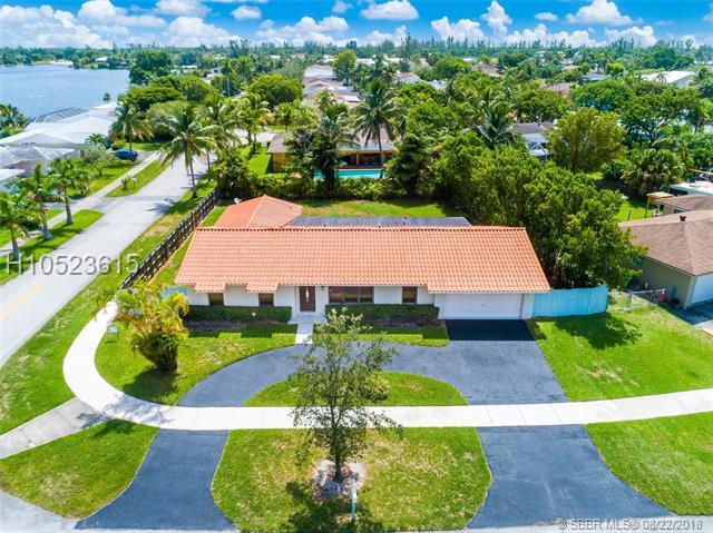 20311 83rd Ave, Cutler Bay, FL 33189 (MLS #H10523615) :: Green Realty Properties