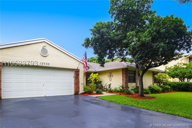 13730 Roanoke St, Davie, FL 33325 (MLS #H10533793) :: Green Realty Properties