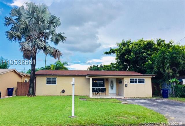 7580 Tropicana St, Miramar, FL 33023 (MLS #H10538661) :: Green Realty Properties