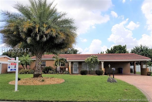 7010 14th St, Pembroke Pines, FL 33023 (MLS #H10539347) :: Green Realty Properties