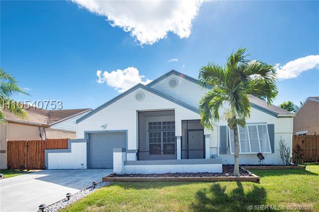 1110 85th Ave, Pembroke Pines, FL 33025 (MLS #H10540753) :: Green Realty Properties