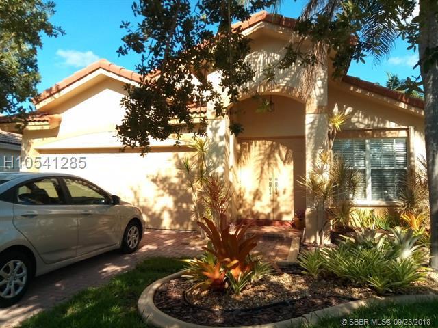 301 203rd Ave, Pembroke Pines, FL 33029 (MLS #H10541285) :: Green Realty Properties