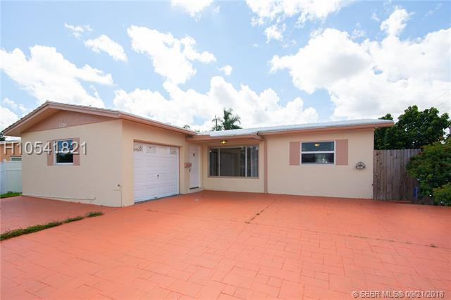 6780 Cody St, Hollywood, FL 33024 (MLS #H10541821) :: RE/MAX Presidential Real Estate Group