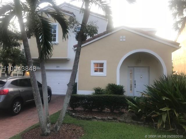 1890 74th Way, Pembroke Pines, FL 33024 (MLS #H10543848) :: Green Realty Properties