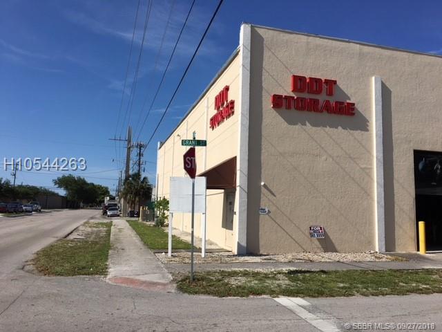1951 Grant St, Hollywood, FL 33020 (MLS #H10544263) :: Green Realty Properties