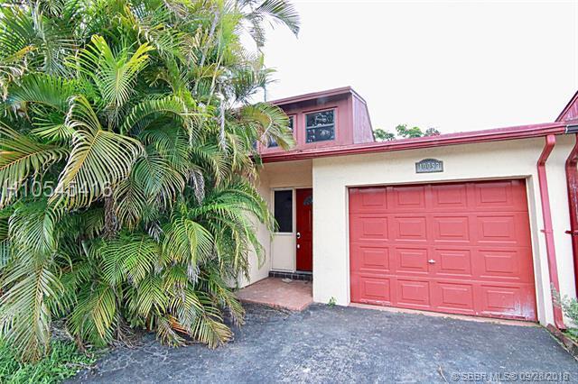 10053 16th St, Pembroke Pines, FL 33025 (MLS #H10545416) :: Green Realty Properties
