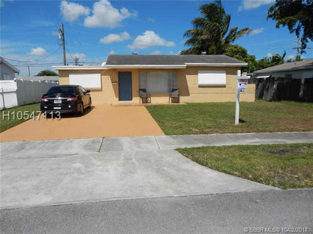 6711 Liberty St, Hollywood, FL 33024 (MLS #H10547113) :: Green Realty Properties