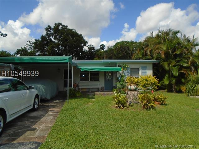 5853 Hayes St, Hollywood, FL 33021 (MLS #H10549939) :: Green Realty Properties