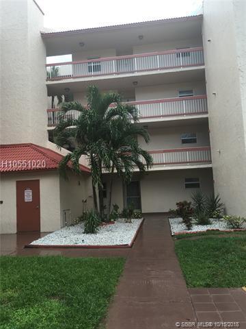 9461 Evergreen Pl #107, Davie, FL 33324 (MLS #H10551020) :: Green Realty Properties