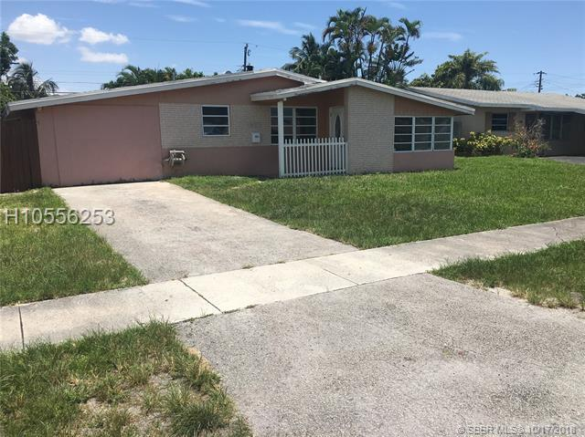 6451 Coolidge St, Hollywood, FL 33024 (MLS #H10556253) :: Green Realty Properties