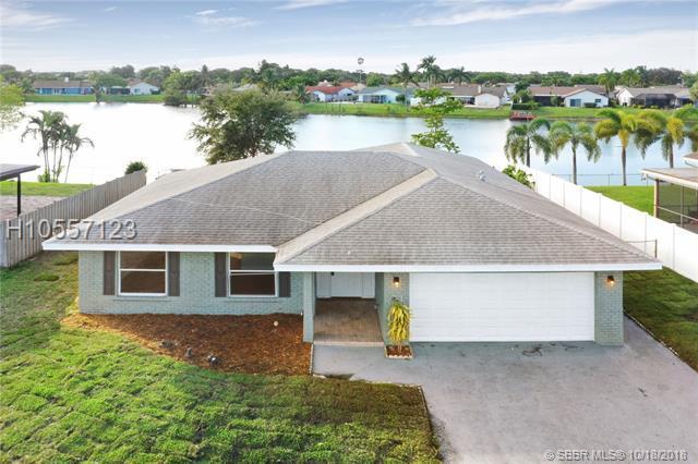1365 25th Ave, Deerfield Beach, FL 33442 (MLS #H10557123) :: Green Realty Properties