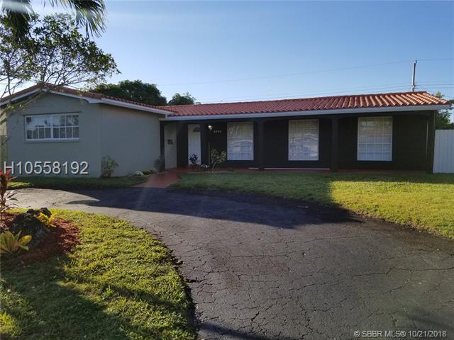 4524 Monroe St, Hollywood, FL 33021 (MLS #H10558192) :: Green Realty Properties