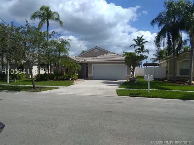 2437 195th Ave, Pembroke Pines, FL 33029 (MLS #H10564118) :: Green Realty Properties