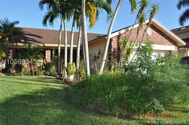 441 201st Ave, Pembroke Pines, FL 33029 (MLS #H10569345) :: Green Realty Properties