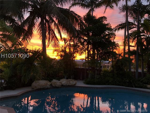 422 Rainbow Dr, Hollywood, FL 33021 (MLS #H10571090) :: Green Realty Properties