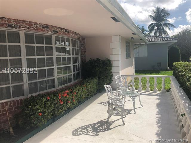 3901 37th Ave, Hollywood, FL 33021 (MLS #H10572082) :: Green Realty Properties