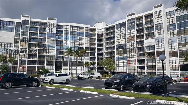 800 Parkview Dr #114, Hallandale, FL 33009 (MLS #H10575252) :: Green Realty Properties