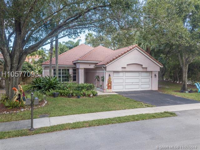 9133 Greenbrier Ct, Davie, FL 33328 (MLS #H10577093) :: Green Realty Properties