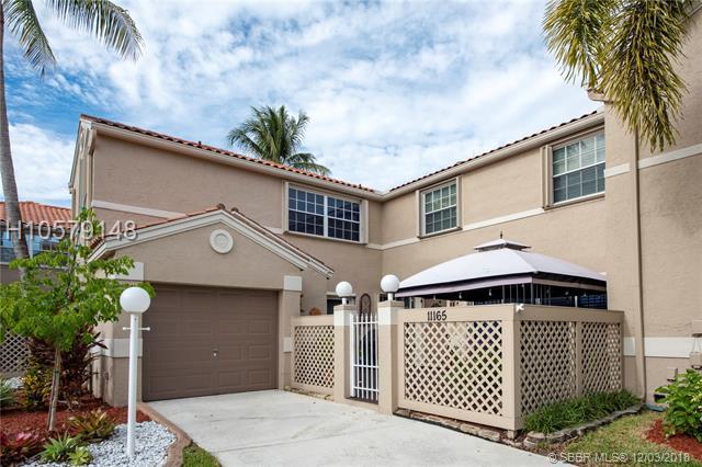 11165 Neptune Dr #11165, Hollywood, FL 33026 (MLS #H10579148) :: Green Realty Properties