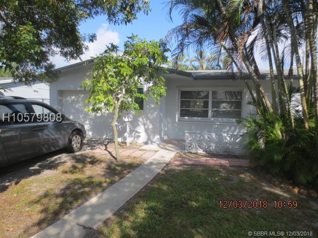 7525 Roosevelt St, Hollywood, FL 33024 (MLS #H10579808) :: Green Realty Properties