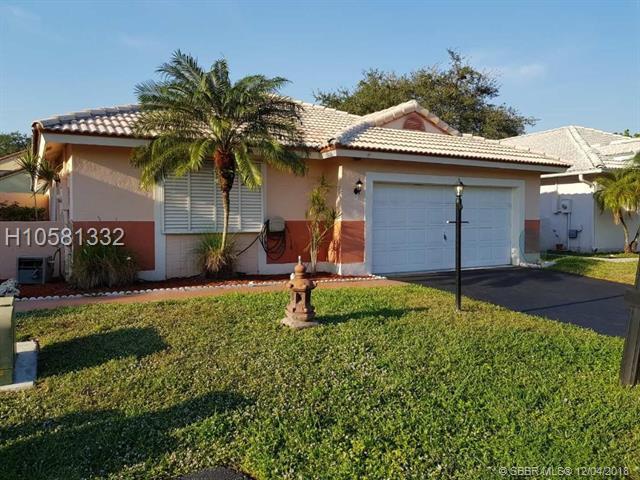 6271 Plymouth Ln, Davie, FL 33331 (MLS #H10581332) :: Green Realty Properties