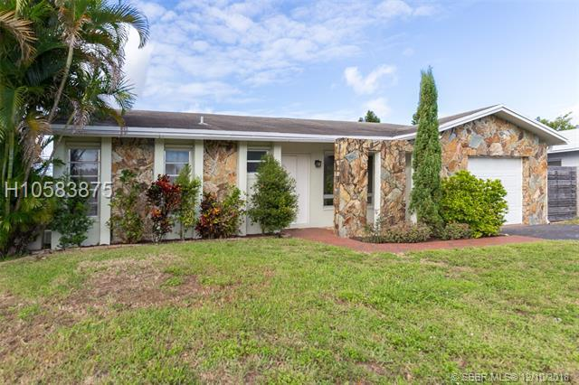 2730 72nd Way, Hollywood, FL 33024 (MLS #H10583875) :: Green Realty Properties