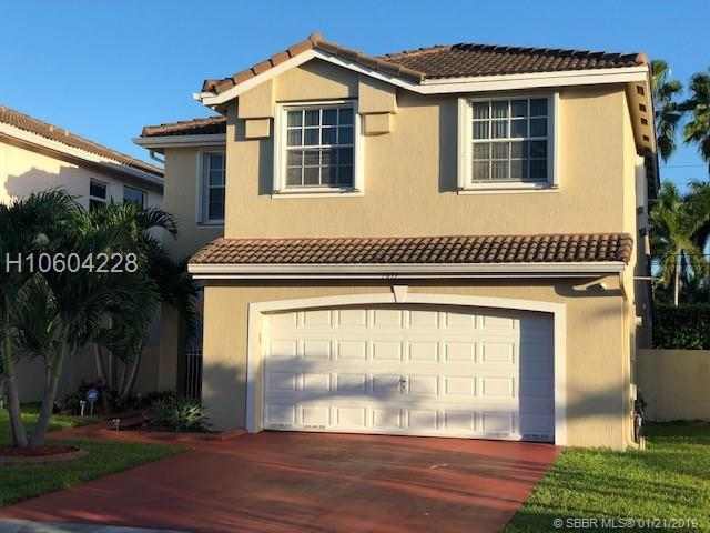 7895 Silverado Cir, Hollywood, FL 33024 (MLS #H10604228) :: Green Realty Properties