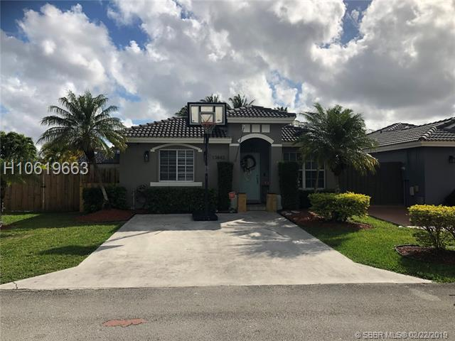 13843 151st Ct, Miami, FL 33196 (MLS #H10619663) :: RE/MAX Presidential Real Estate Group
